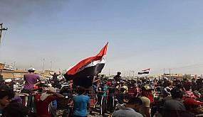 بالفيديو…تجدد الاحتجاجات في ناحية العكيكة للمطالبة بالخدمات واقالة مسؤولين محليين