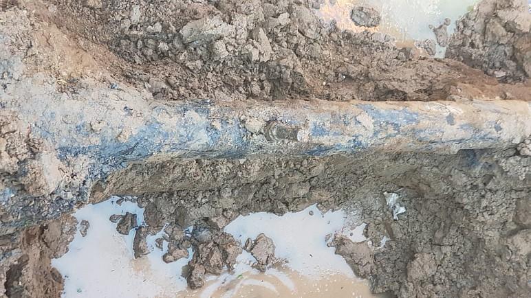 الشرطة تعثر على فتحة معدة لتهريب النفط الخام شمال ذي قار على الخط الناقل بين ذي قار وواسط