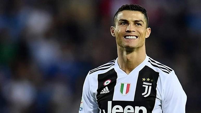 رونالدو اول مليادرير في عالم كرة القدم