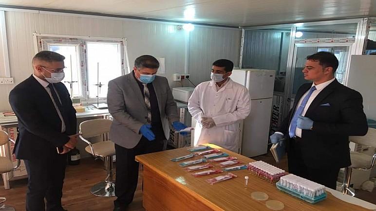 كلية التربية للعلوم الصرفة بجامعة ذي قار تنتج الأوساط الناقلة للعينات البشرية لفحص كورونا