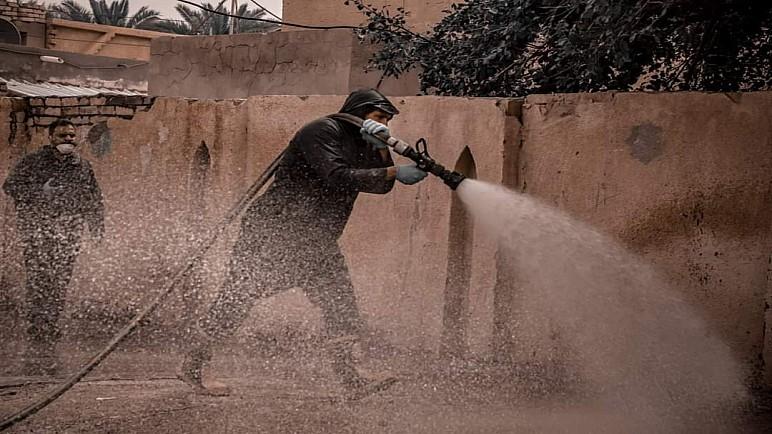 بالصور …شركة نفط ذي قار تنظـّم حملة تعفير وتوزيع سلات غذائية في مناطق جنوب المحافظة