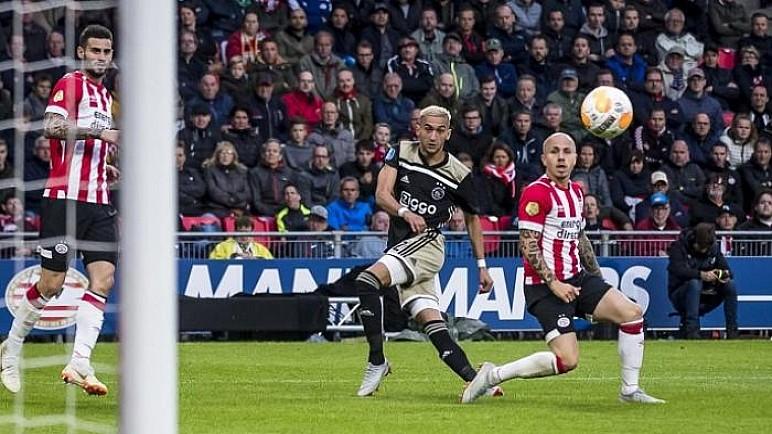 هولندا تسمح بعودة الجماهير لملاعب كرة القدم