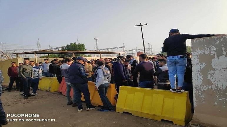 متظاهرو العقود والأجور يغلقون محطة كهرباء الناصرية لتاخر صرف مستحقاتهم