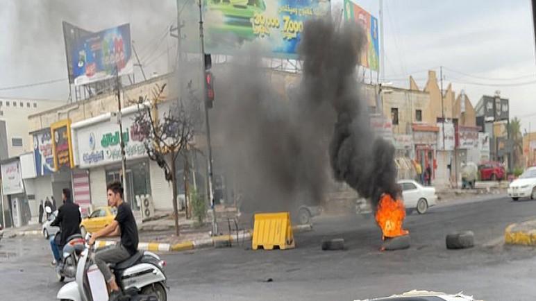 مصدر : متظاهرون يقطعون تقاطع بهو الناصرية وجسر الحضارات